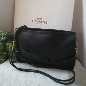 Authentic COACH Convertible Shoulder Bag Wristlet!